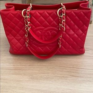 💯Authentic Chanel Bright Red Caviar GST XL Bag